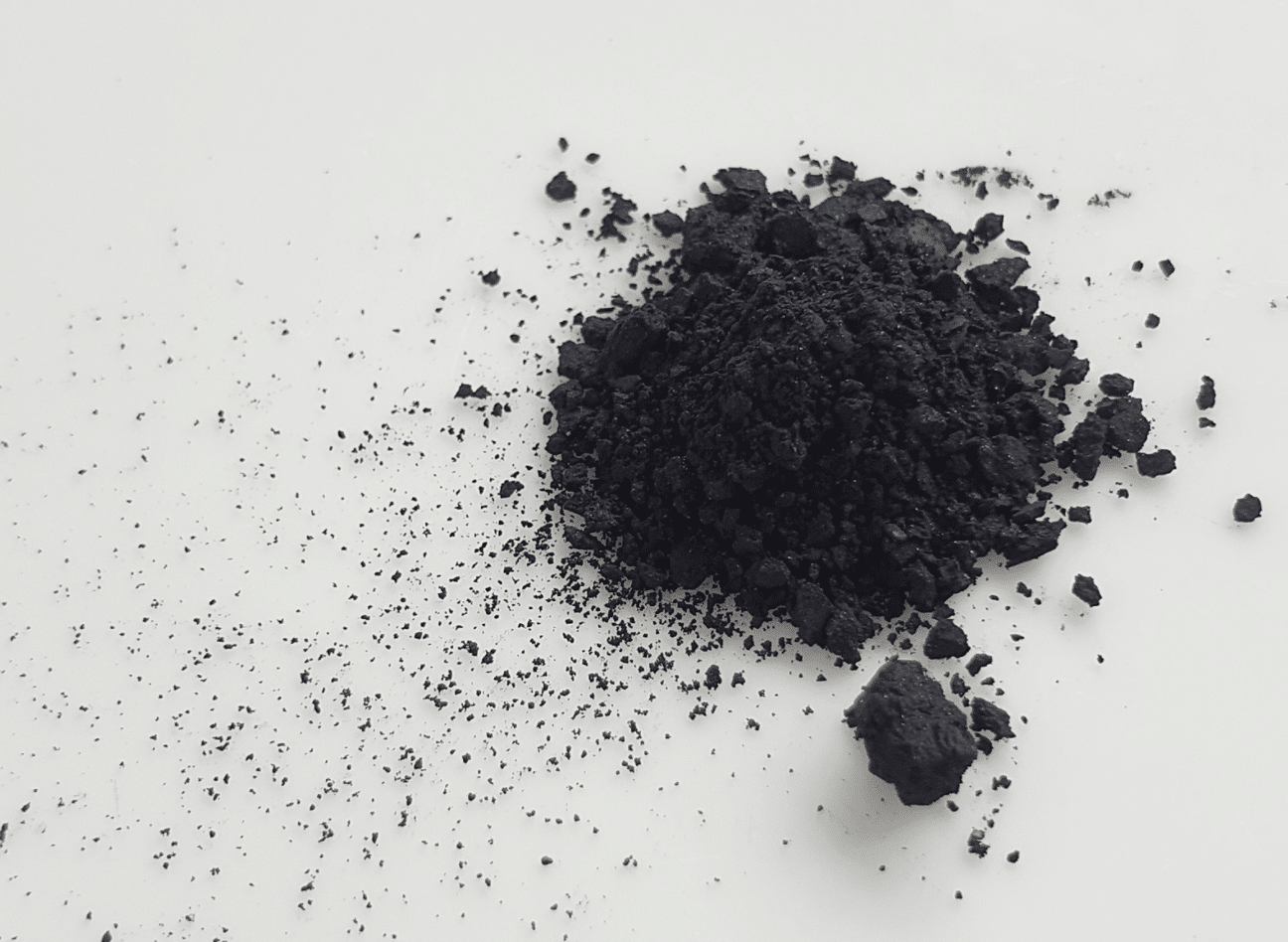 Le charbon actif peut tâcher
