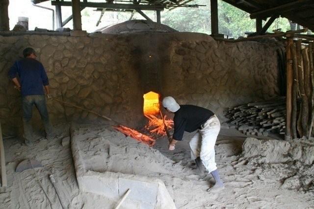 Four charbon binchotan