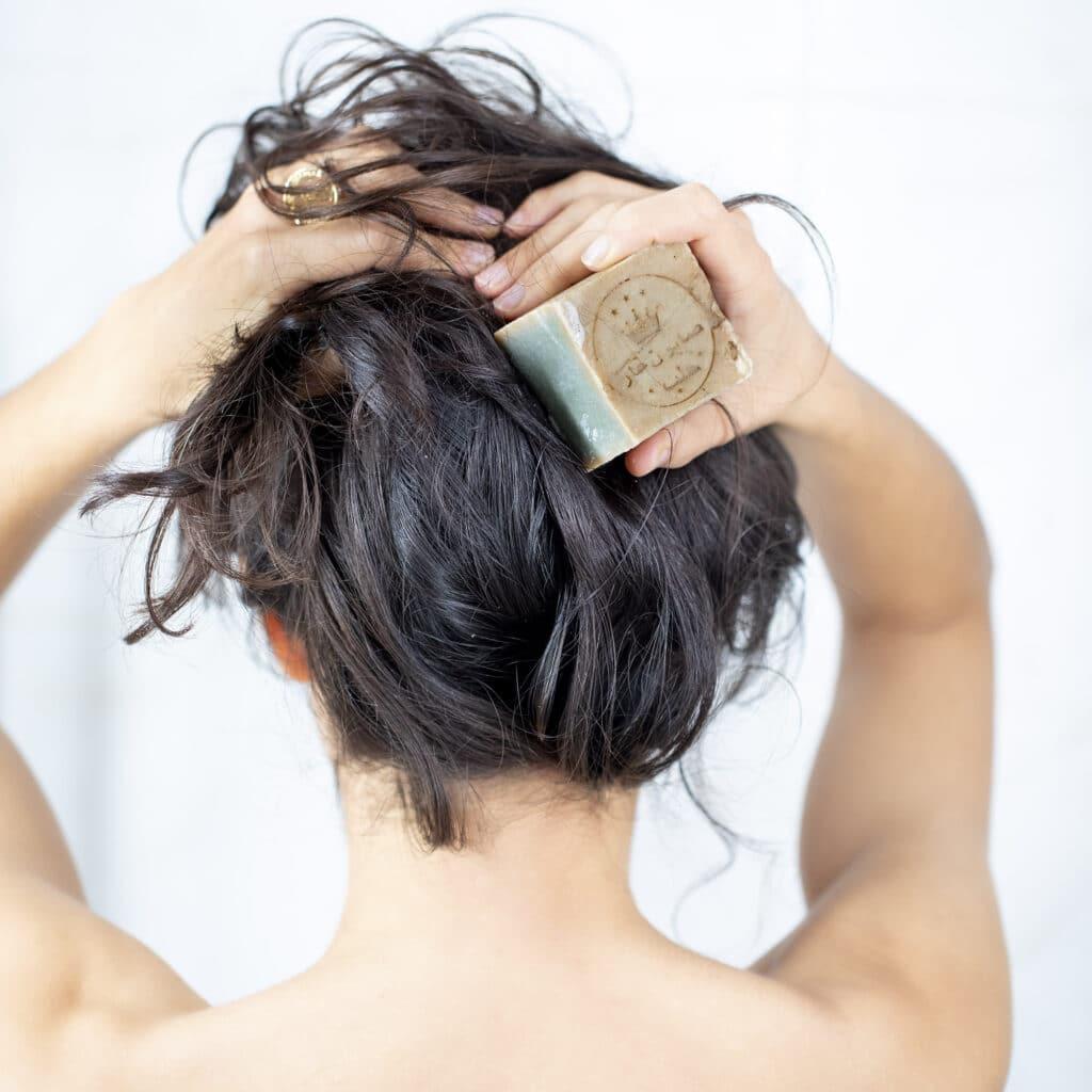 Se laver les cheveux sans shampoing